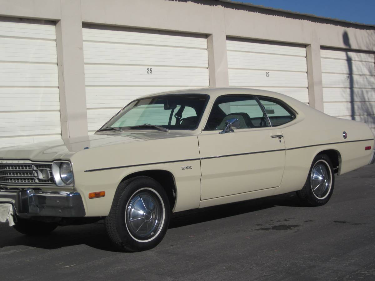 Daily Turismo Tan Classic 1974 Plymouth Duster