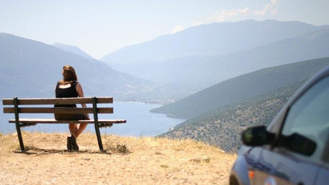 Sacrificio satánico: Doble suicidio de turistas en una isla griega