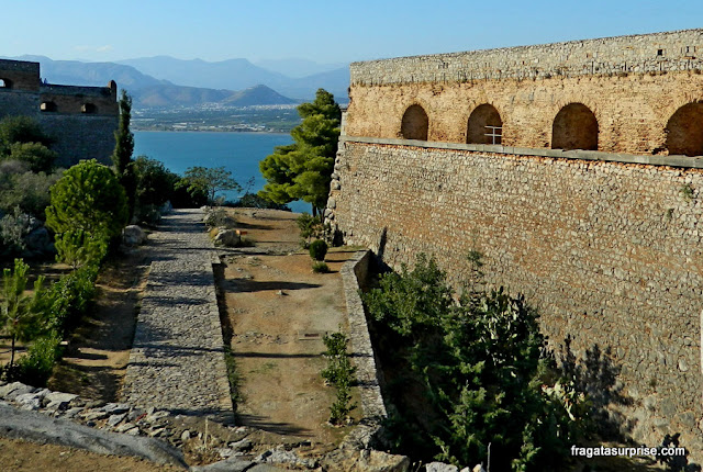 Muralhas da Fortaleza de Palamidi em Nafplio, Grécia