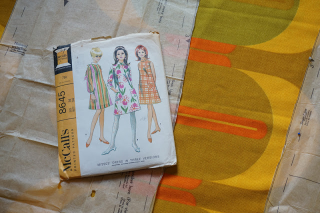 McCall's 8645  pattern - 1966  Three section dress, rolled bias collar , patch pockets 1960s 60s sew vintage fabric