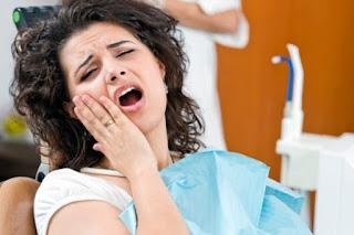Nhức răng sau khi trám có nguy hiểm không?