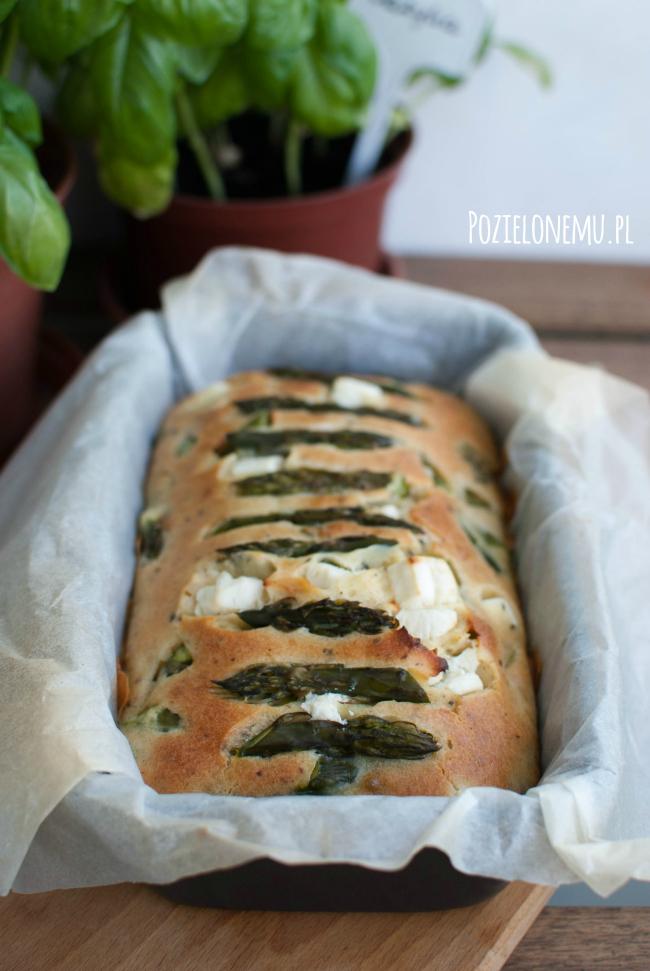 Ciasto z zielonymi szparagami i fetą