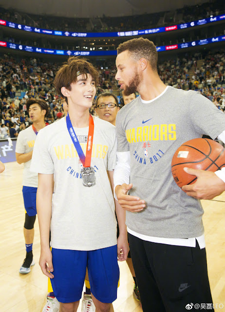 NBA Fan Appreciation Day Wu Lei Steph Curry