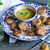 Orientalische Quinoa Taler mit Mandeln & Rosinen mit Orangen-Minz Dip {enthält Werbung}