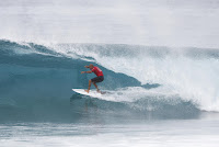 14 Kelly Slater Billabong Pipe Masters 2016 foto WSL Damien Poullenot