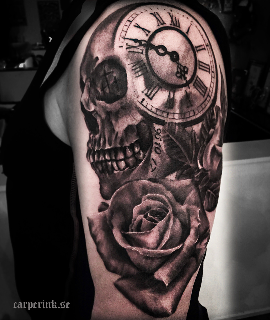 25 Awesome Clock Tattoos For Women And Men