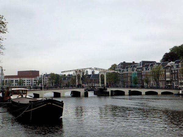amsterdam canaux sud magere brug