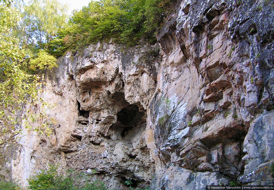 Гранитное ущелье реки Аликоновки, Медовые водопады