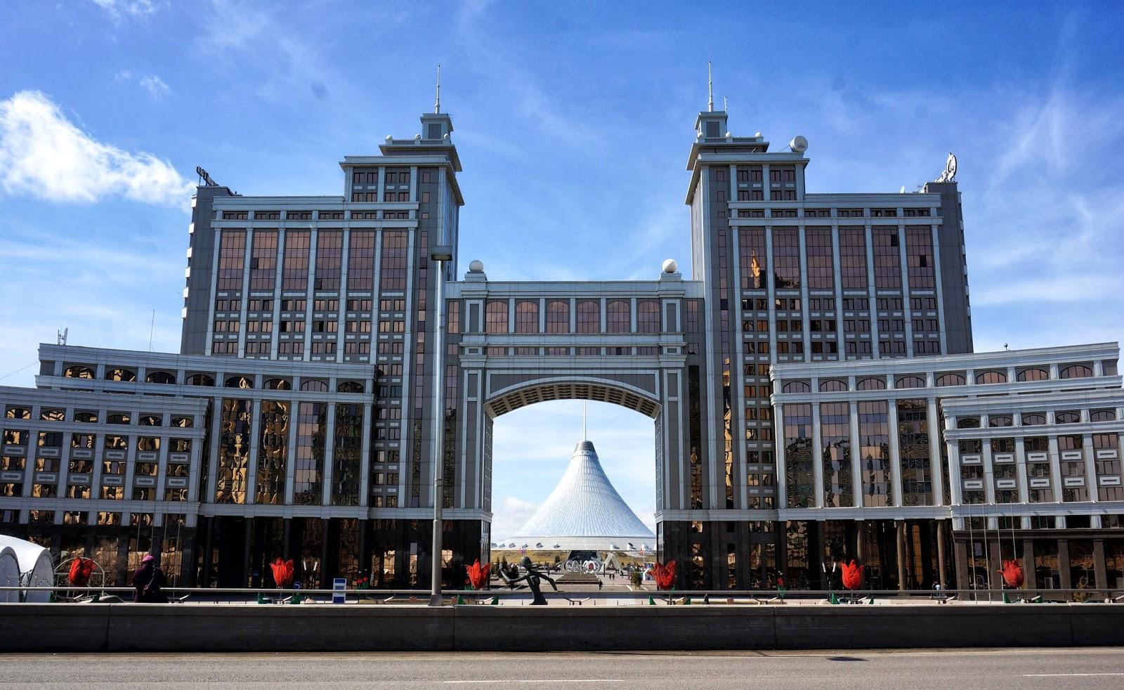 co zobaczyć w Astanie, wycieczka do Astany, wycieczka do Kazachstanu, zwiedzanie Kazachstanu, Astana w 3 dni, Astana w 1 dzień, budynki Astany, zabytki Astany