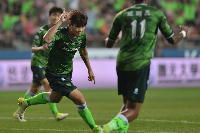 Kim Min-jae scores his first goal for Jeonbuk Hyundai Motors against Daegu FC