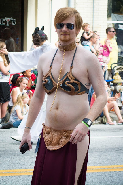 Leia bikini cosplay by a man!
