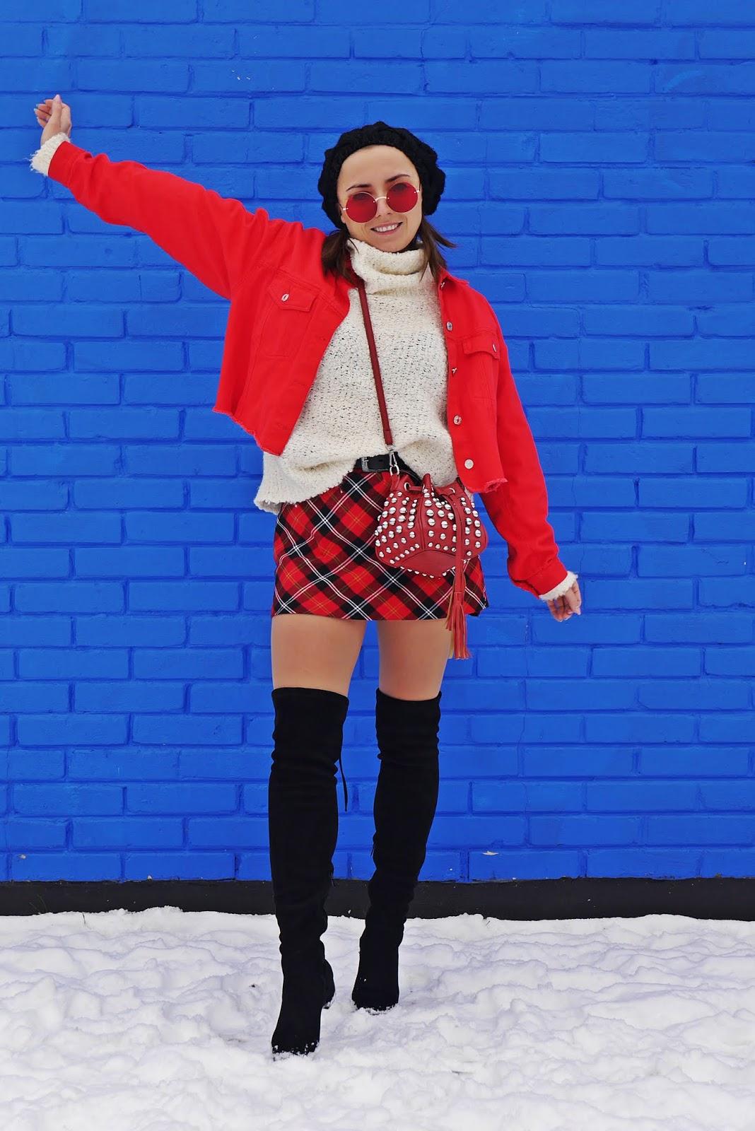 czerwona spódnica w kratę kozaki za kolano renee beret karyn blog modowy blogerka modowa