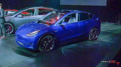 ايلون ماسك Elon Musk مؤسس و مالك شركة تيسلا Tesla يعلن عن سيارة Tesla Model Y الكهربائية الجديدة