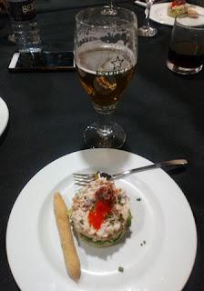 Tartar de Pulpo con Alga Wakame y Tobikko.