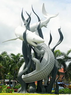 Sura+and+Baya%252C+Surabaya 001 Destinasi Wisata Surabaya | Kota Pahlawan
