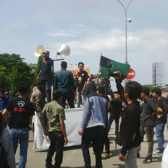 HMI Makassar Blokir Jalur Reformasi