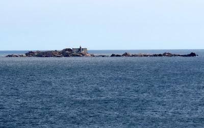 Faro islas Lobeiras