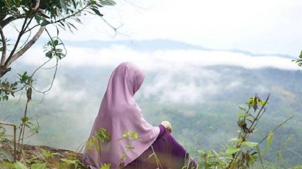 Wanita Muslimah Cantik dengan Iman dan Takwa