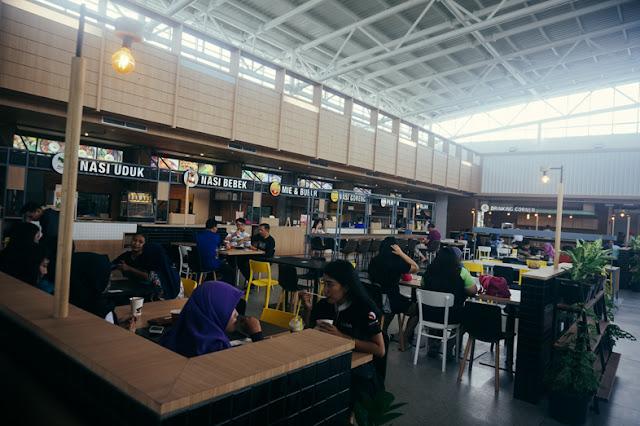 WTC Surabaya - Tersedia Food Court Bagi Penjual dan Pembeli Hp