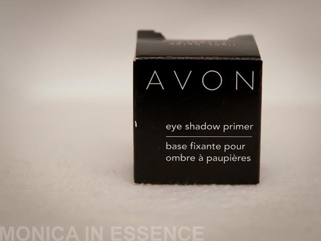 light beige, makeup, ocne tiene, slovensky log, kozmetika, licenie