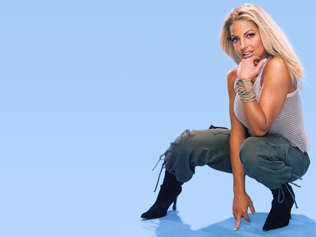 wwe trish stratus hot photos