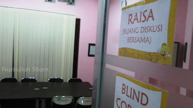 Ruang untuk diskusi atau rapat