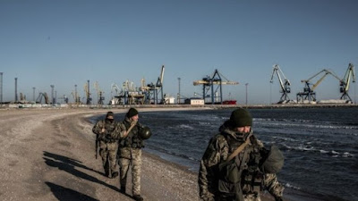 Ukraine Bans Russian Men Aged 16-60 From Country