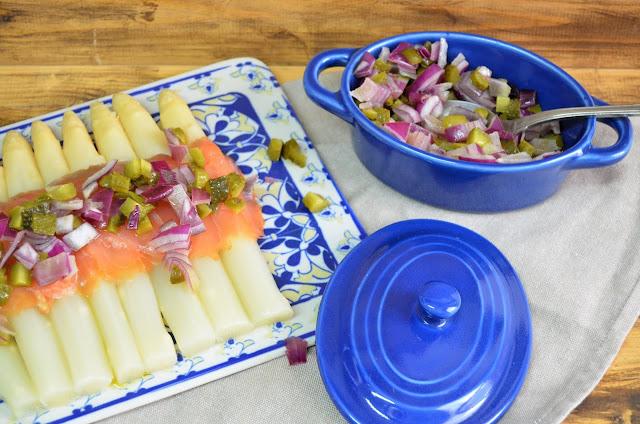 aperitivos, cenas, espárragos blancos, espárragos blancos con salmón, plato rápido, receta fácil, receta rápida, receta rápida y fácil, recetas fresquitas, recetas ligeras, las delicias de mayte,