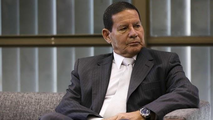 Mourão manda recado a Carlos Bolsonaro: 'Roupa suja se lava em casa'