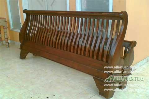 tempat tidur kayu jati model bagong jari jari