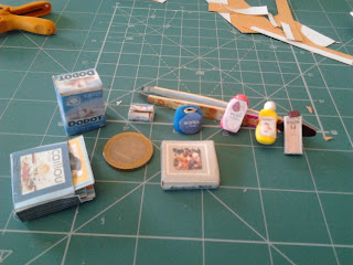 Todas ellas con patarev, imprimibles de la Revista Miniaturas. Especialmente contenta con el paquete de Dodotis, recortable.