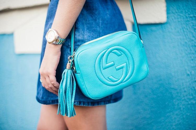 Vocês sabem que eu sou apaixonada por bolsas e eu não poderia deixar de  falar da Gucci Soho Disco, ... 377f316be9
