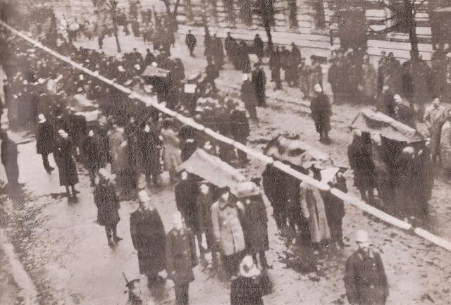 Vilniaus komunarų laidotuvių procesija