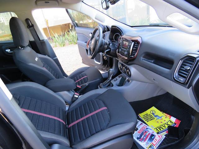 Fiat Toro 4x2 Flex - interior