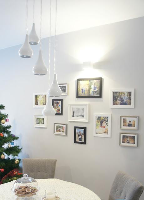 ramki na ścianie aranżacje
