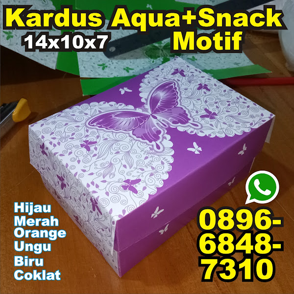kardus Aqua snack motif warna
