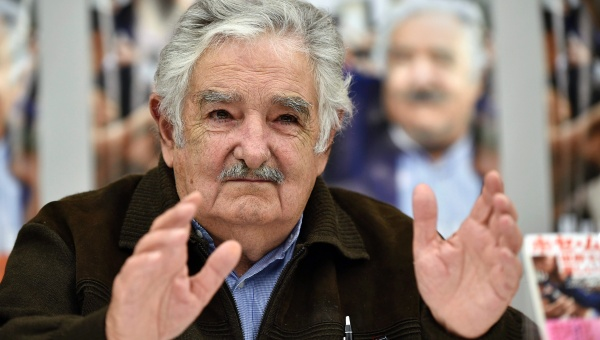 Mujica pide unión progresista ante amenaza conservadora
