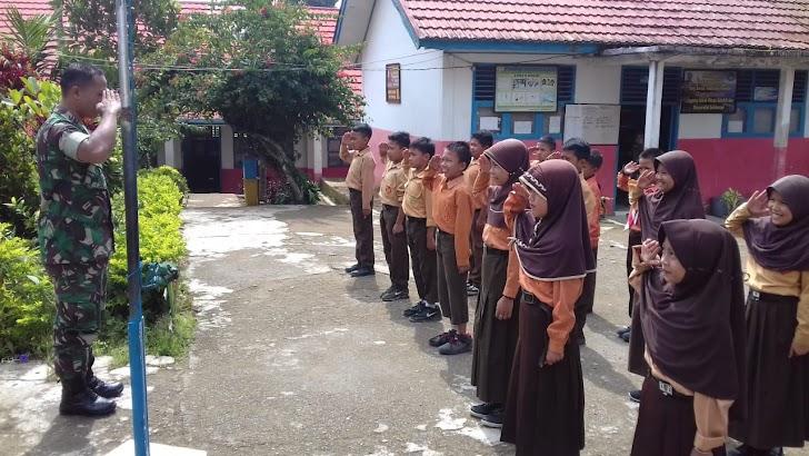 Ada Apa TNI Ajari Siswa Baris berbaris