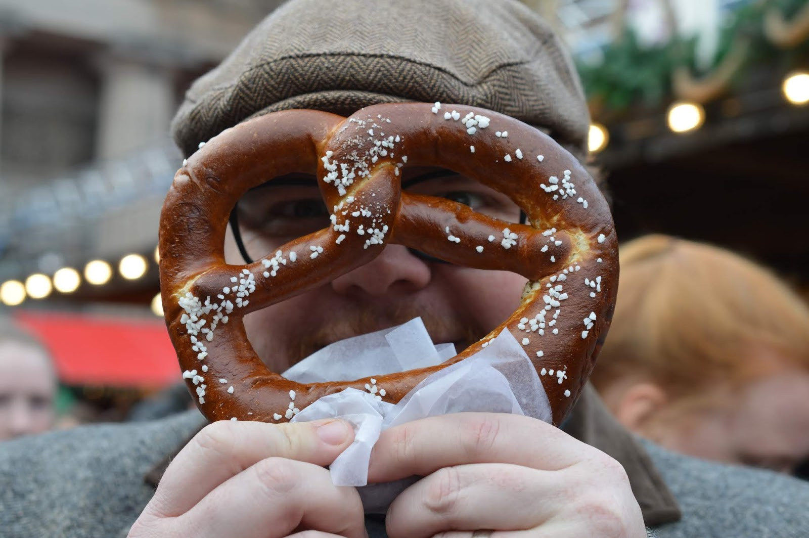 Top Tips for Driving to Edinburgh Christmas Markets with Kids - Pretzels