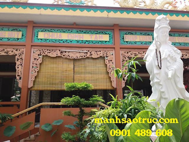 Lắp mành sáo nứa cho chùa Định Tâm