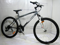 3 Limited Edition 26 Inch United Miami XC02 with SunTour Fork HardTail Mountain Bike