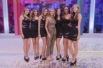 Renata Kuerten e algumas das selecionadas para a nova etapa do concurso  (Crédito: Artur Igrecias/Divulgação RedeTV!)