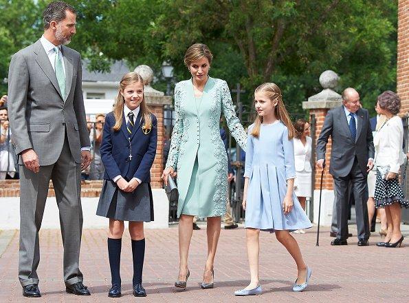 Princess Leonor, Princess Sofia, Queen Sofia at Asuncion de Nuestra Senora Church. Quee Letizia wore Felipe Varela dress, Magrit shoes.