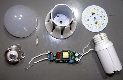 Lâmpada de LED Giga Eco 9W desmontada