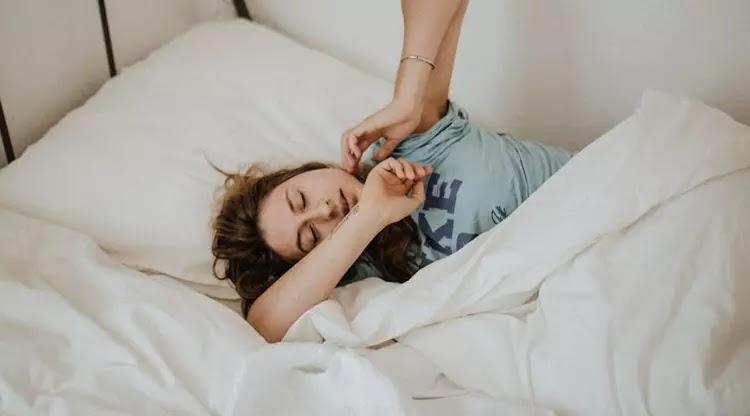 6 Posisi Tidur Ini Bisa Mengungkap Kepribadian Kamu