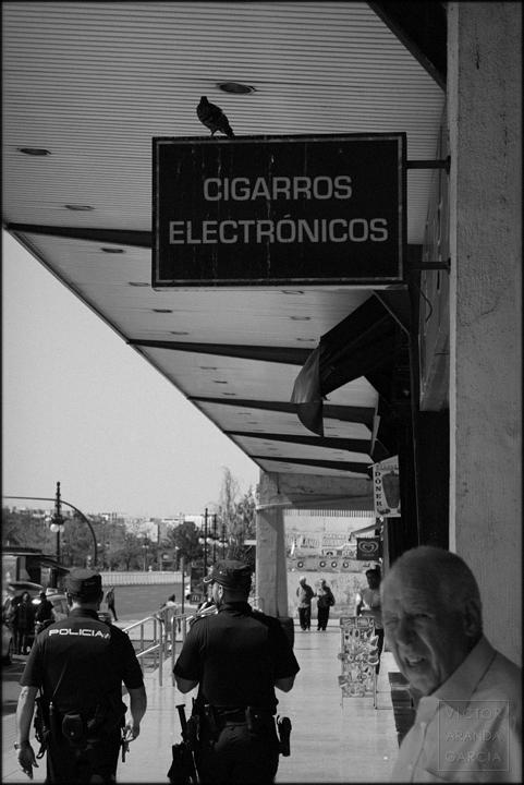 fotografia,arriba_extraña,valencia,policia,serie,crisis