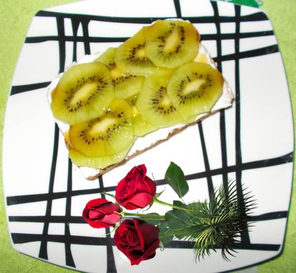 Ideia de sanduíche de doce light com kiwi