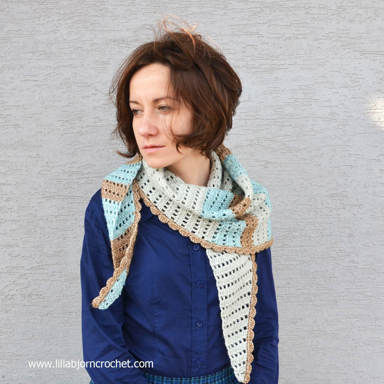 Windy Morning shawlette FREE crochet pattern by www.lillabjorncrochet.com
