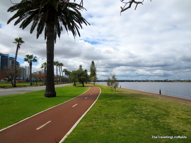 Swan River cycle path