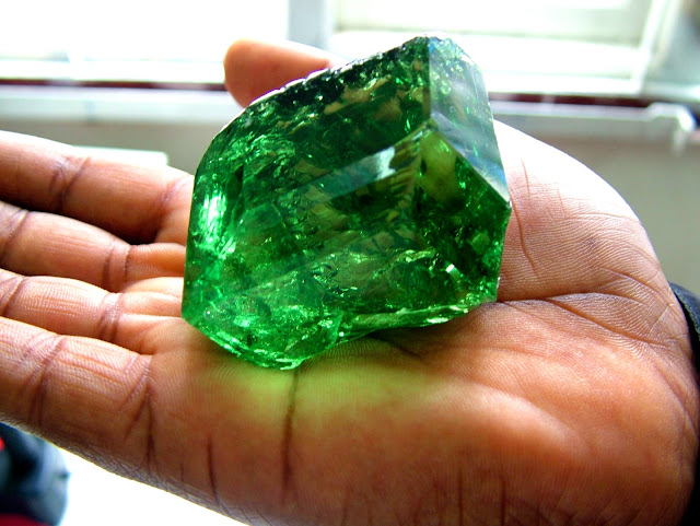 The Largest Tsavorite in the World